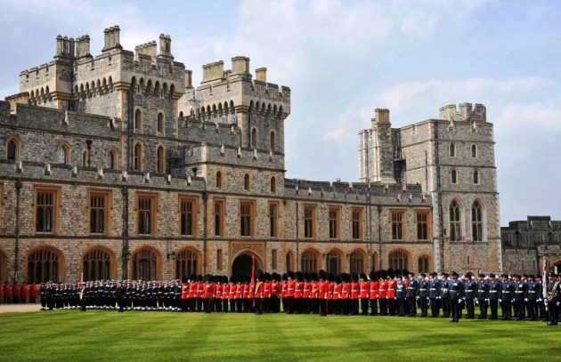 Windsor Castle Muster ER 60 LONDON 2012