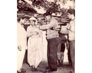 AlgerianWomanDDT1943_0